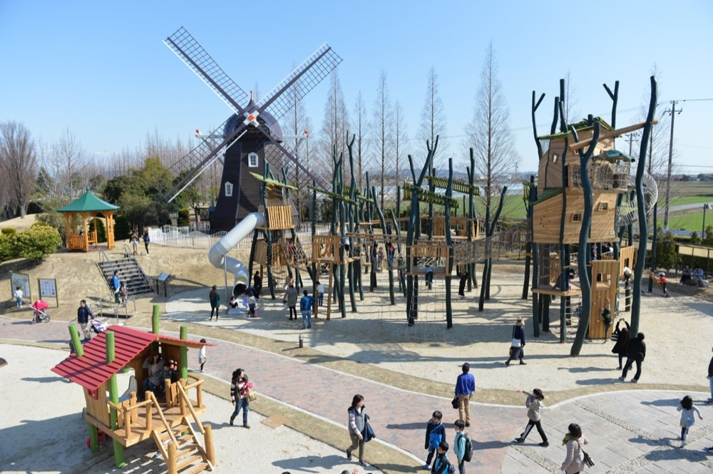 「子どもも楽しいデンパーク」をテーマに、屋内外のあそび場を創造  <!--#タグ用検索キーワード--> <!--公園--> <!--ジクホルツ社--> <!--木製大型遊具--> <!--コンパン社--> <!--ボールプール-->